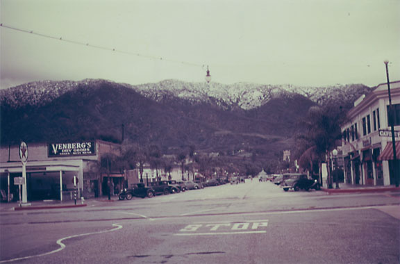 Glendora Avenue, California